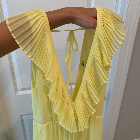 Zara Dresses & Skirts - AMAZING ruffle yellow maxi dress